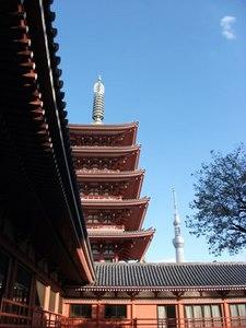 五重塔にスカイツリー.jpg