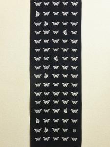 並び蝶々黒S.jpg